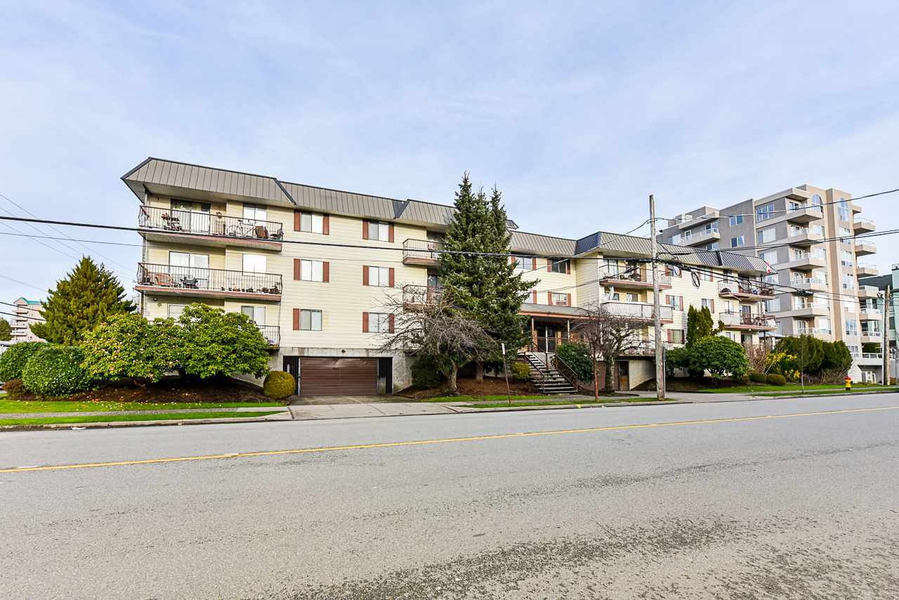 "Main Photo: 211 45749 SPADINA Avenue in Chilliwack: Chilliwack W Young-Well Condo for sale in ""Chilliwack Gardens"" : MLS®# R2527210"