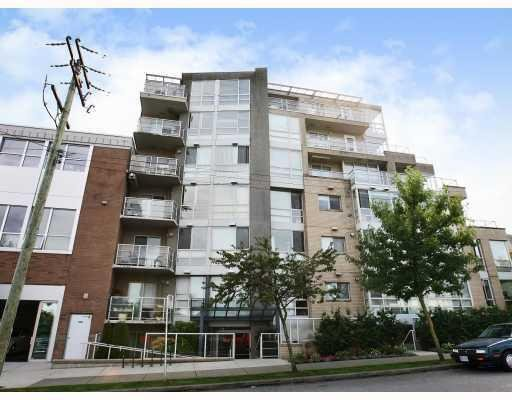 Main Photo: # 207 1818 W 6TH AV in Vancouver: Condo for sale : MLS®# V746728