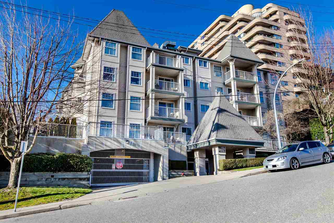 "Main Photo: 209 1035 AUCKLAND Street in New Westminster: Uptown NW Condo for sale in ""QUEEN'S TERRACE"" : MLS®# R2438580"
