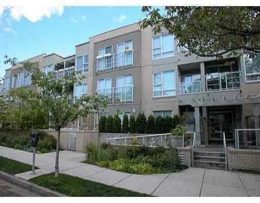 """Main Photo: 1823 W 7TH Ave in Vancouver: Kitsilano Condo for sale in """"THE CARNEGIE"""" (Vancouver West)  : MLS®# V640579"""