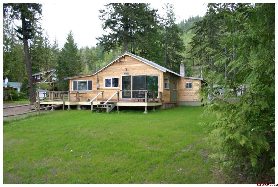 Main Photo: 3272 Eagle Bay Road in Eagle Bay: Residential Detached for sale : MLS®# 10007890