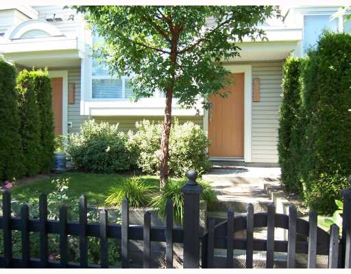"""Main Photo: 6711 VILLAGE GREEN BB in Burnaby: Middlegate BS Townhouse for sale in """"MONTEREY"""" (Burnaby South)  : MLS®# V662425"""