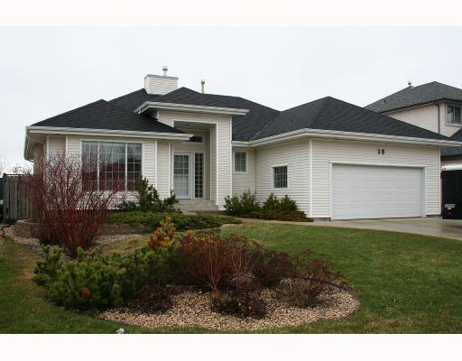 Main Photo: 38 NEWCOMBE Crescent in WINNIPEG: Windsor Park / Southdale / Island Lakes Residential for sale (South East Winnipeg)  : MLS®# 2806065