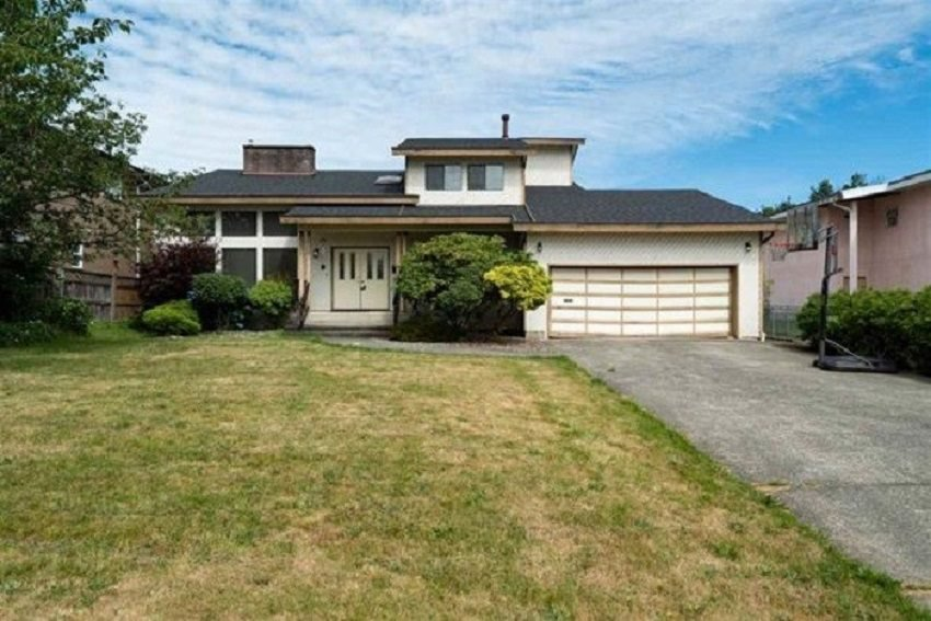 Main Photo: 7950 155 STREET in Surrey: Fleetwood Tynehead House for sale : MLS®# R2434720