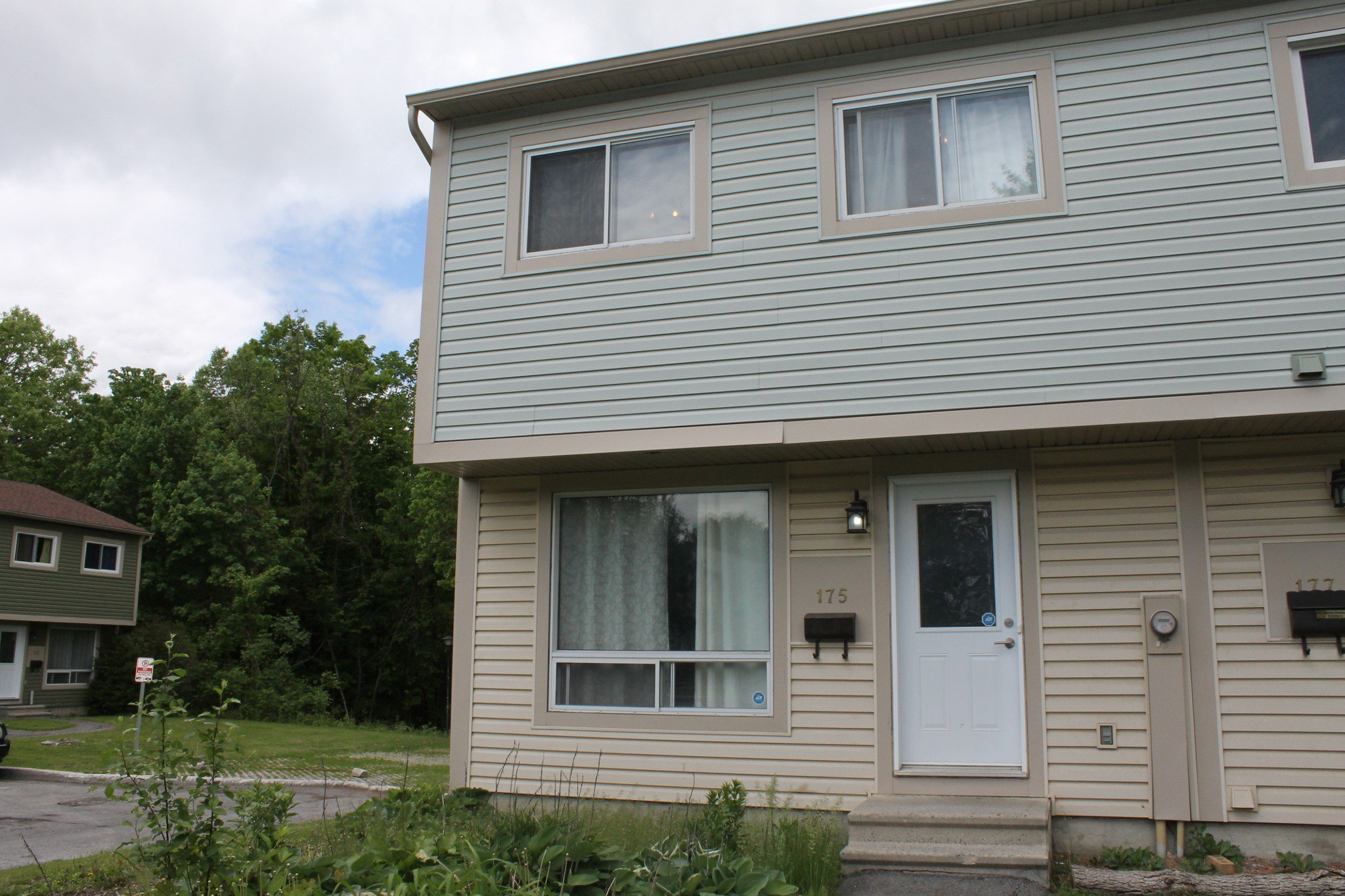Main Photo: 175 Teal Crescent in Ottawa: House for sale