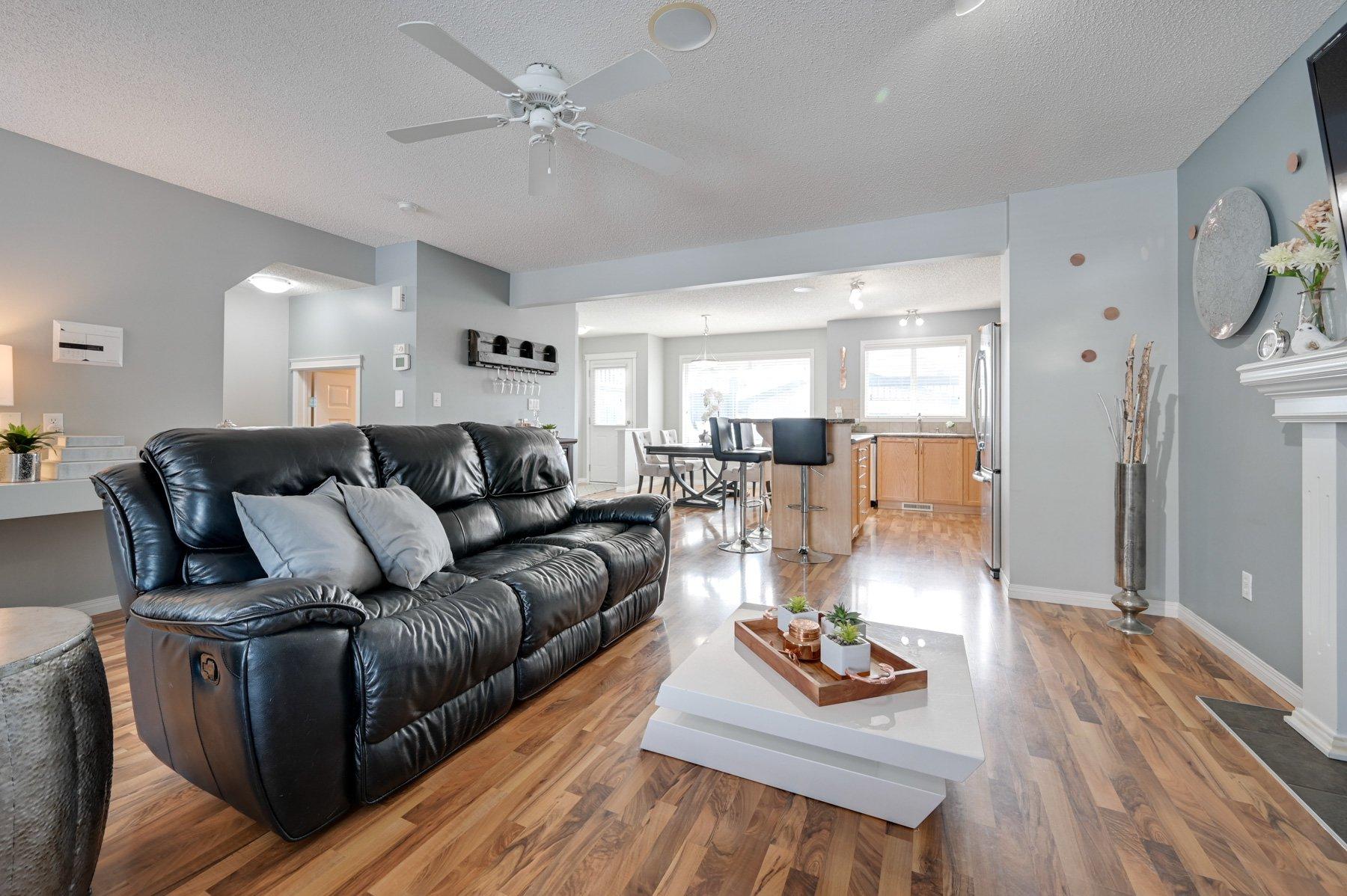Main Photo: 12023 19 Avenue SW: Edmonton House  : MLS®# E4190455