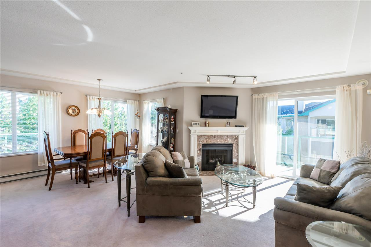 """Main Photo: 408 20433 53 Avenue in Langley: Langley City Condo for sale in """"COUNTRYSIDE ESTATES"""" : MLS®# R2492366"""
