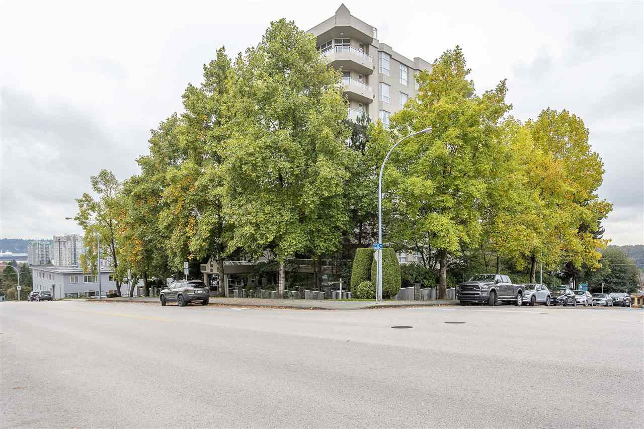 """Main Photo: 401 412 TWELFTH Street in New Westminster: Uptown NW Condo for sale in """"Wiltshire Heights"""" : MLS®# R2507753"""