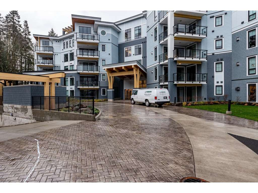 "Main Photo: 309 5380 TYEE Lane in Chilliwack: Vedder S Watson-Promontory Condo for sale in ""The Boardwalk at Rivers Edge"" (Sardis)  : MLS®# R2519826"