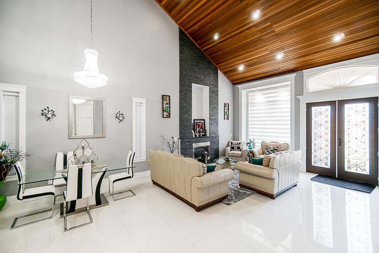 Main Photo: 6161 140B Street in Surrey: Sullivan Station House for sale : MLS®# R2526556