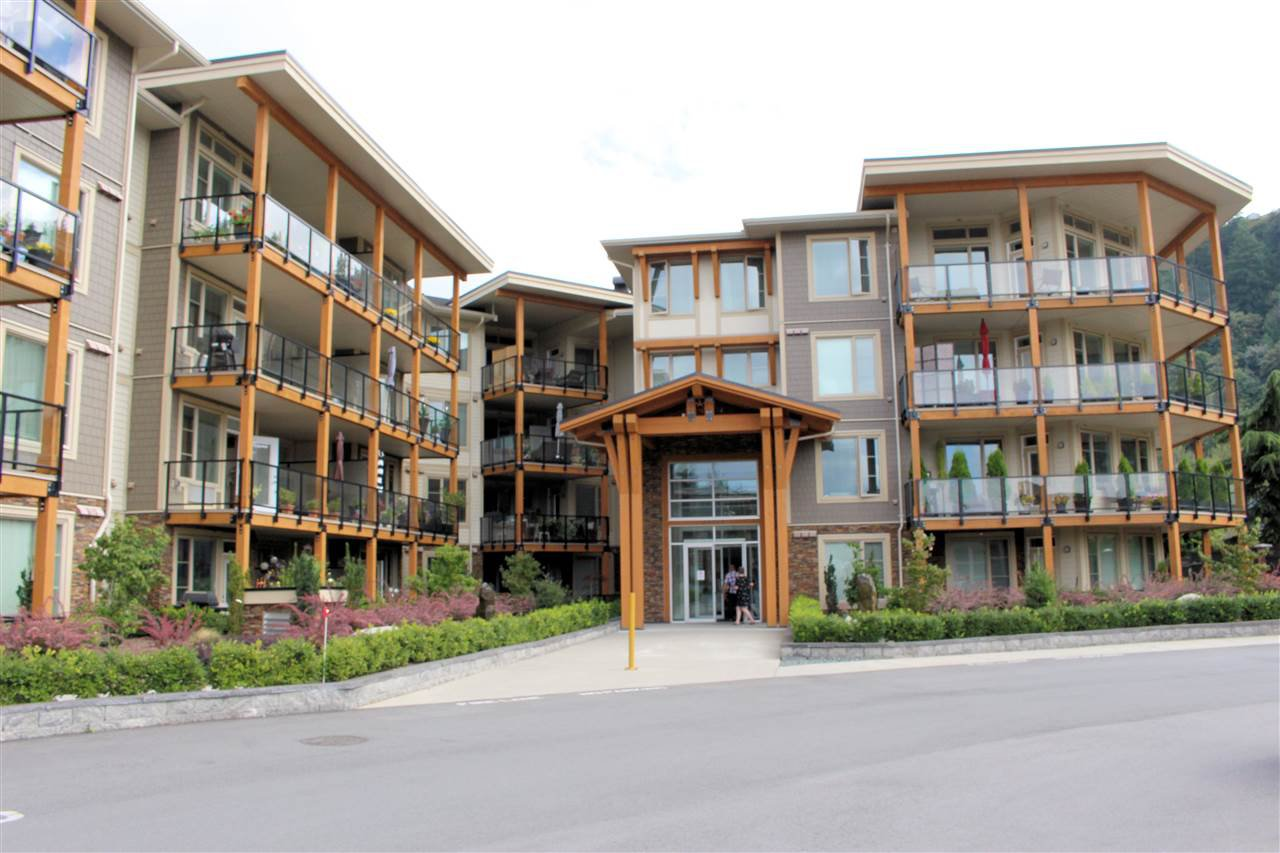 "Main Photo: 306 45746 KEITH WILSON Road in Chilliwack: Vedder S Watson-Promontory Condo for sale in ""ENGLEWOOD COURTYARD"" (Sardis)  : MLS®# R2528085"