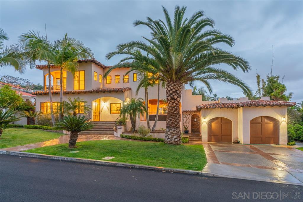Main Photo: POINT LOMA House for sale : 6 bedrooms : 3128 Kellogg St in San Diego