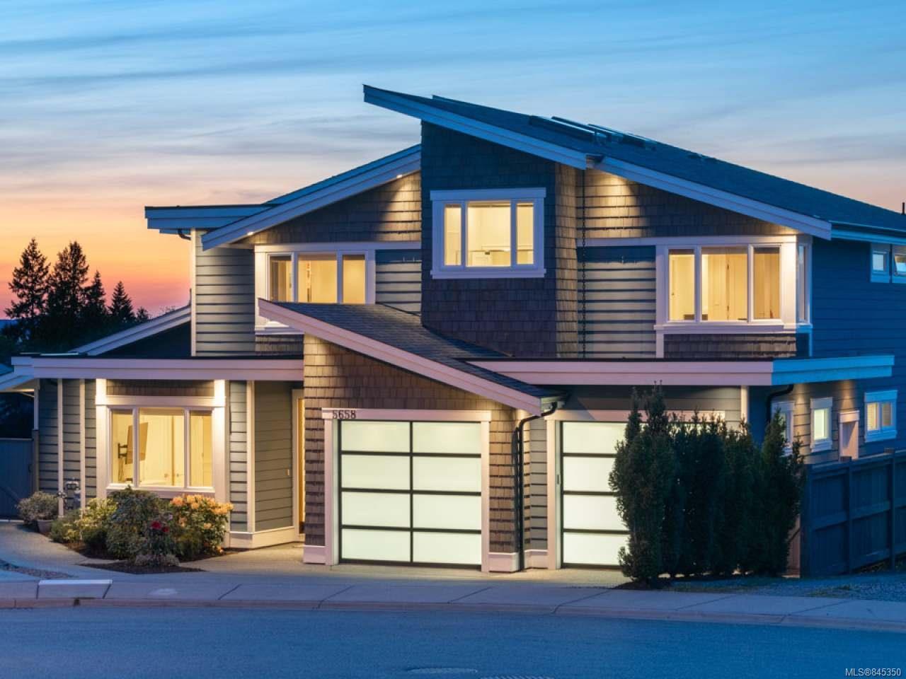 Main Photo: 5658 Oceanview Terr in NANAIMO: Na North Nanaimo House for sale (Nanaimo)  : MLS®# 845350