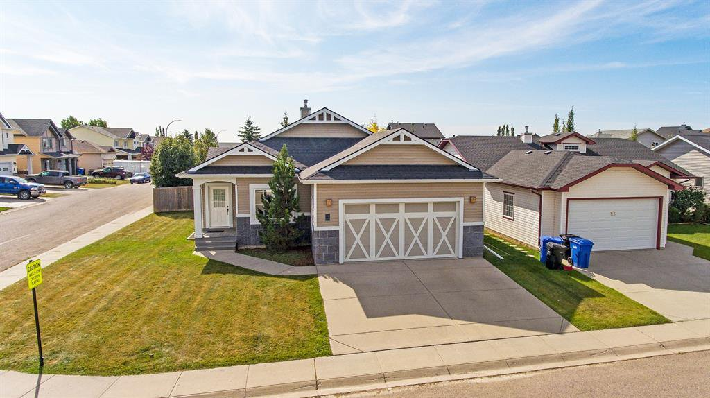 Main Photo: 717 Stonehaven Drive: Carstairs Detached for sale : MLS®# A1030749