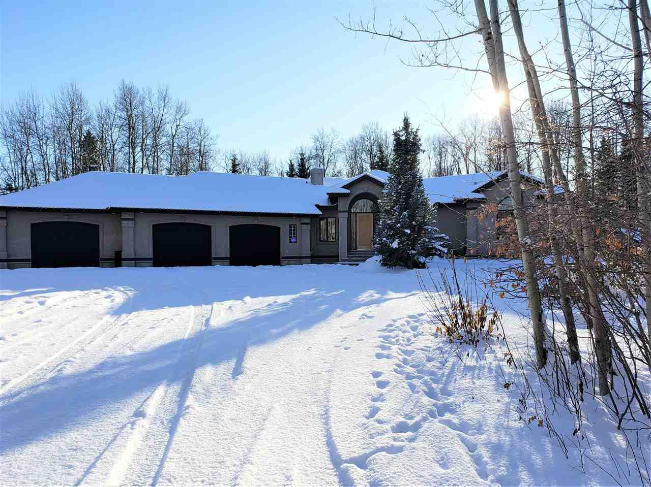 Main Photo: 23 26029 TWP Road 512 White Tail Way: Rural Parkland County House for sale : MLS®# E4224066