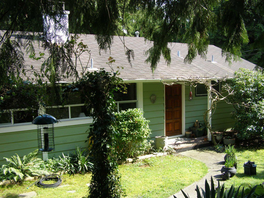 Photo 1: Photos: 1820 Alderlynn Drive in North Vancouver: House for sale : MLS®# V883220