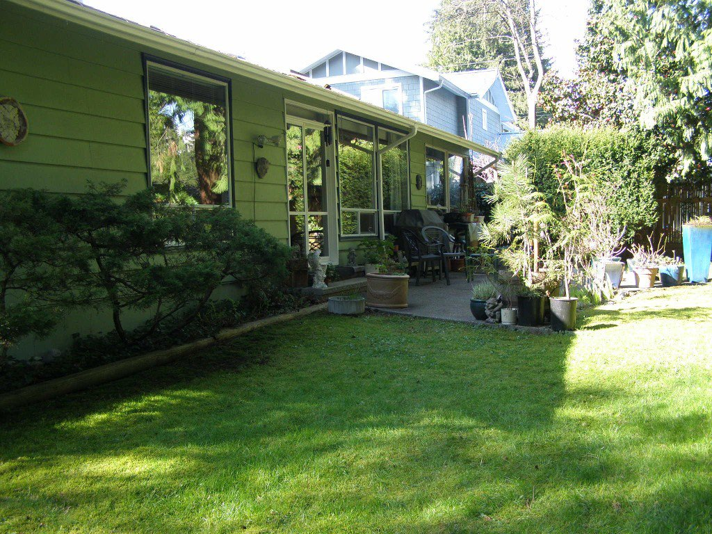 Photo 10: Photos: 1820 Alderlynn Drive in North Vancouver: House for sale : MLS®# V883220