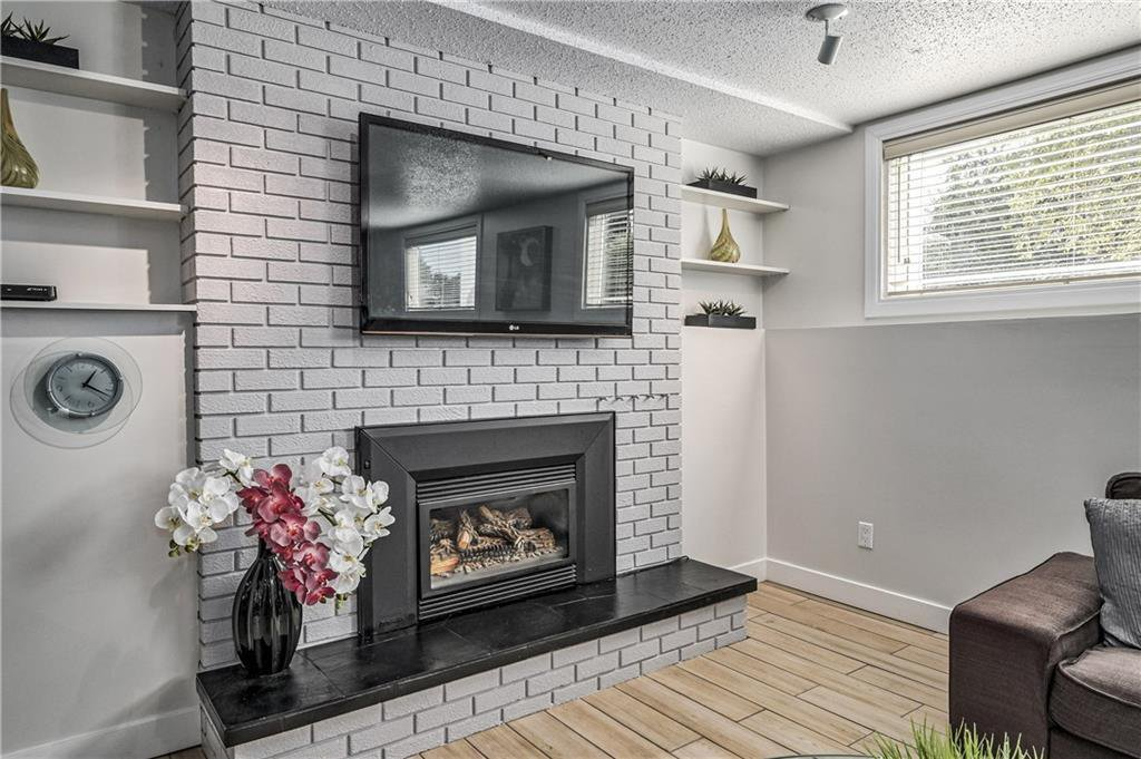 Photo 21: Photos: 916 LAKE EMERALD Place SE in Calgary: Lake Bonavista Detached for sale : MLS®# C4266477