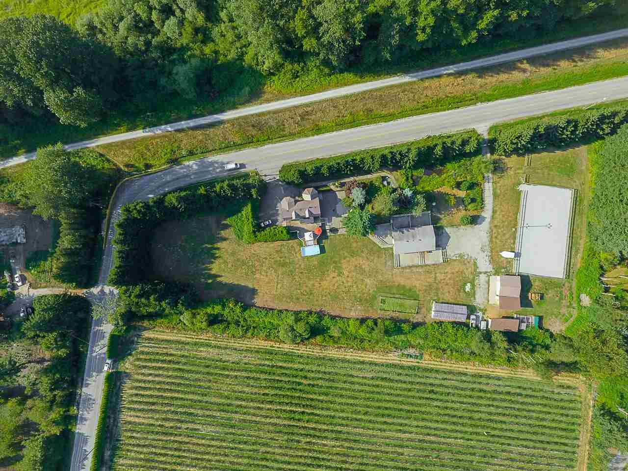 Photo 4: Photos: 17236 KENNEDY Road in Pitt Meadows: West Meadows House for sale : MLS®# R2395279