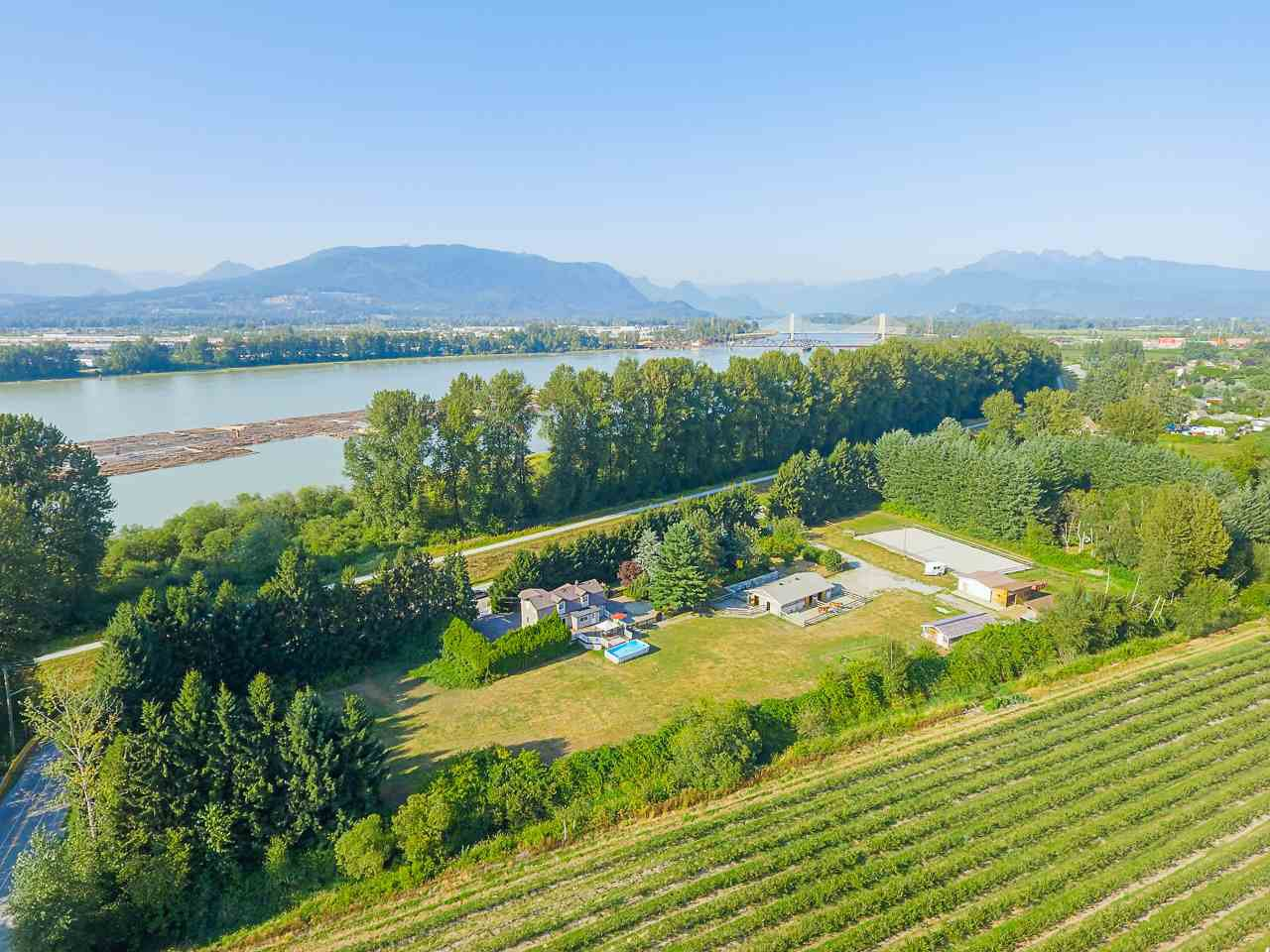 Photo 7: Photos: 17236 KENNEDY Road in Pitt Meadows: West Meadows House for sale : MLS®# R2395279