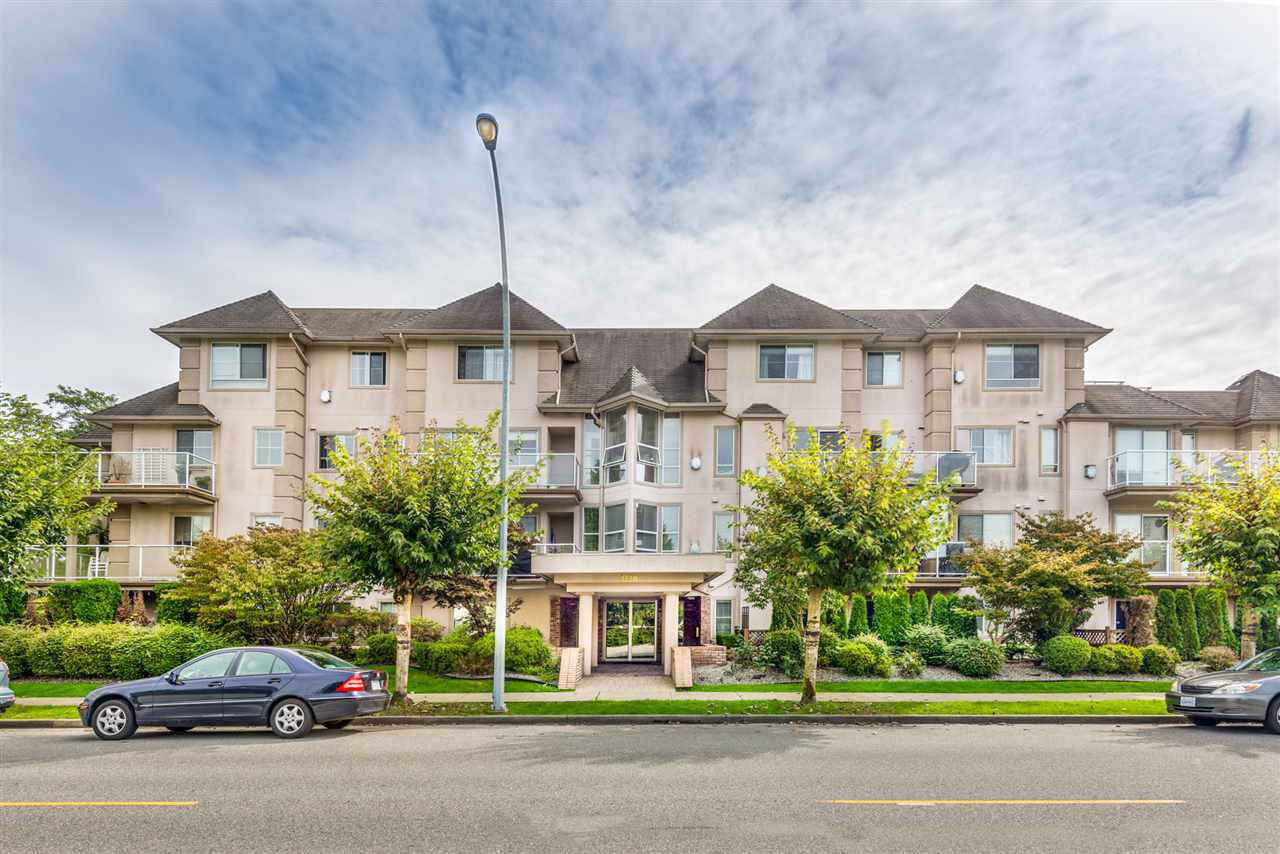 """Main Photo: 303 3128 FLINT Street in Port Coquitlam: Glenwood PQ Condo for sale in """"Fraser Court Terrace"""" : MLS®# R2408224"""