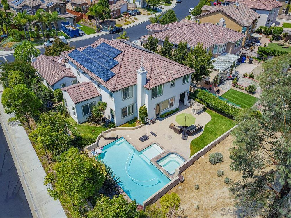 Main Photo: CHULA VISTA House for sale : 5 bedrooms : 829 Middle Fork Pl