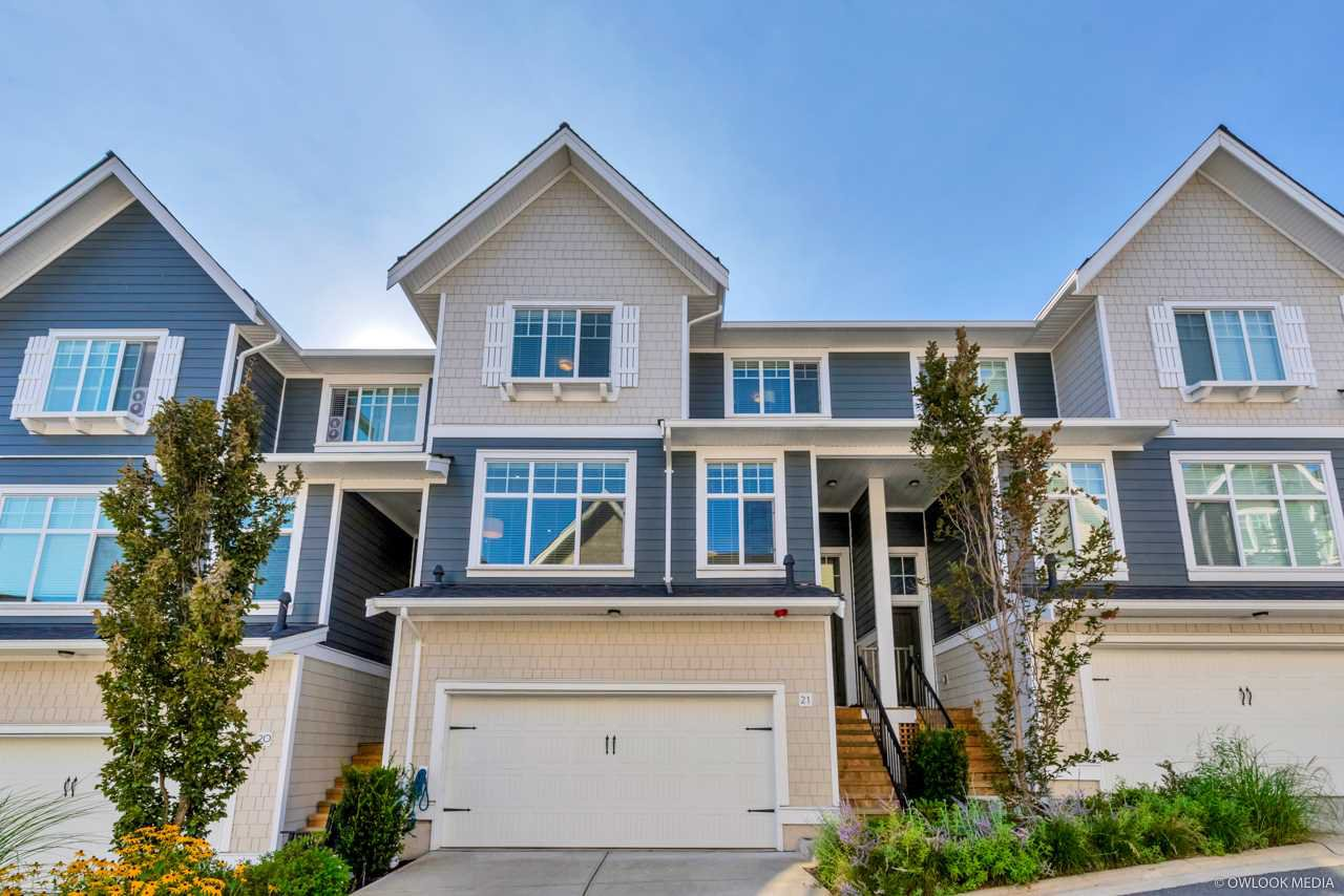 """Main Photo: 21 19938 70 Avenue in Langley: Willoughby Heights Townhouse for sale in """"Crest"""" : MLS®# R2497011"""