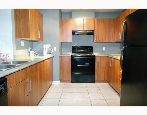 "Photo 4: Photos: 205 1576 GRANT Avenue in Port_Coquitlam: Glenwood PQ Condo for sale in ""THE BROWNSTONE"" (Port Coquitlam)  : MLS®# V686195"