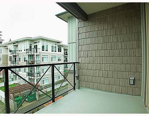 """Photo 9: Photos: 307 2336 WHYTE Avenue in Port_Coquitlam: Central Pt Coquitlam Condo for sale in """"CENTREPOINTE"""" (Port Coquitlam)  : MLS®# V708666"""