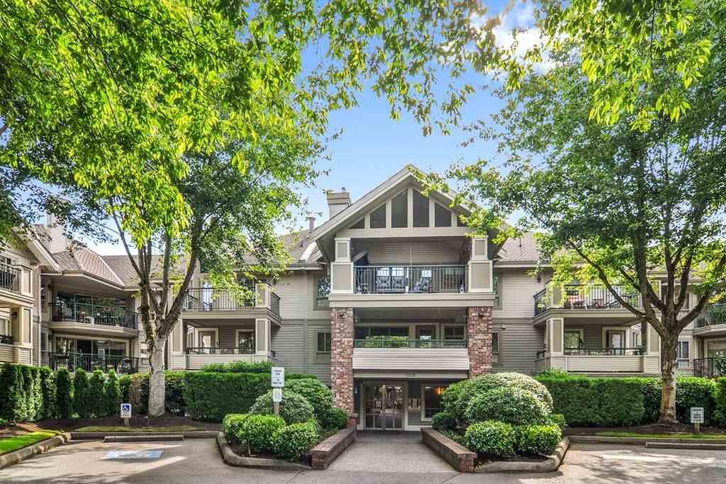 "Main Photo: 310 22025 48 Avenue in Langley: Murrayville Condo for sale in ""AUTUMN RIDGE"" : MLS®# R2465094"