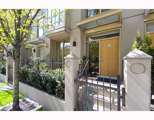"""Main Photo: TH16 969 RICHARDS Street in Vancouver: Downtown VW Townhouse for sale in """"MONDRIAN 2"""" (Vancouver West)  : MLS®# V643703"""