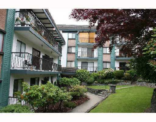"""Main Photo: 305 5450 EMPIRE Drive in Burnaby: Capitol Hill BN Condo for sale in """"PARK PLACE"""" (Burnaby North)  : MLS®# V671851"""
