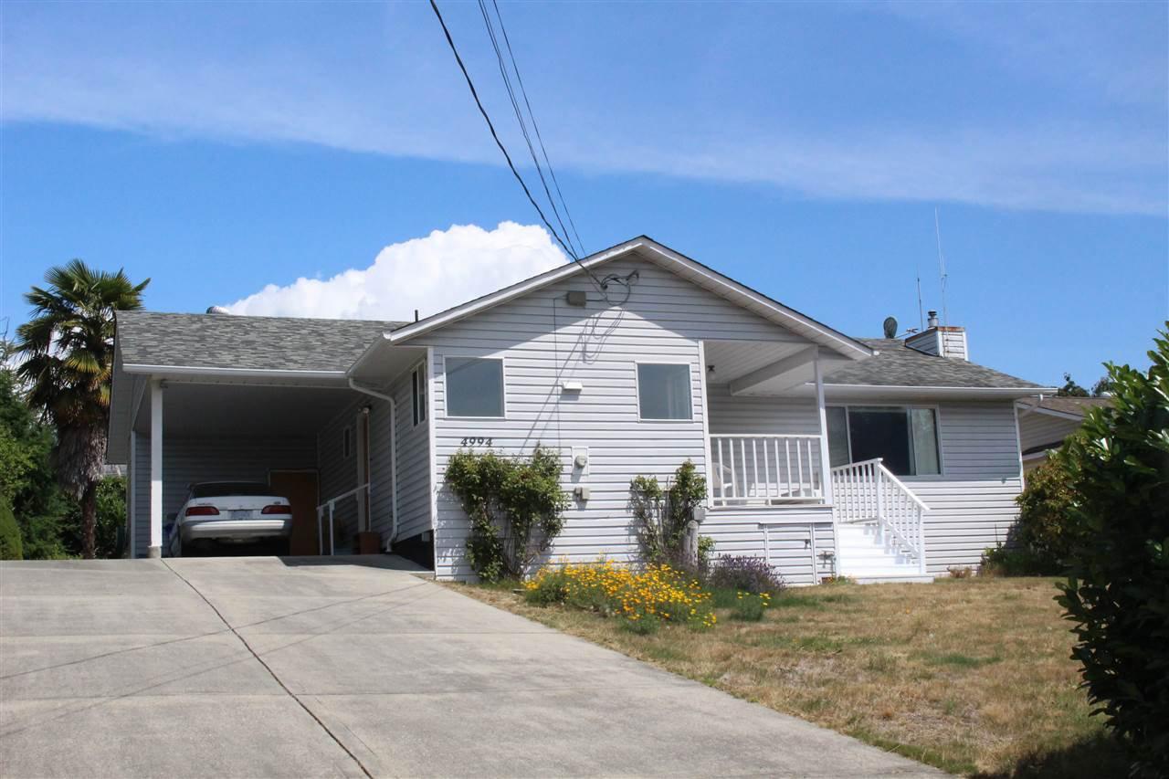 "Photo 3: Photos: 4994 GEER Road in Sechelt: Sechelt District House for sale in ""DAVIS BAY"" (Sunshine Coast)  : MLS®# R2389748"