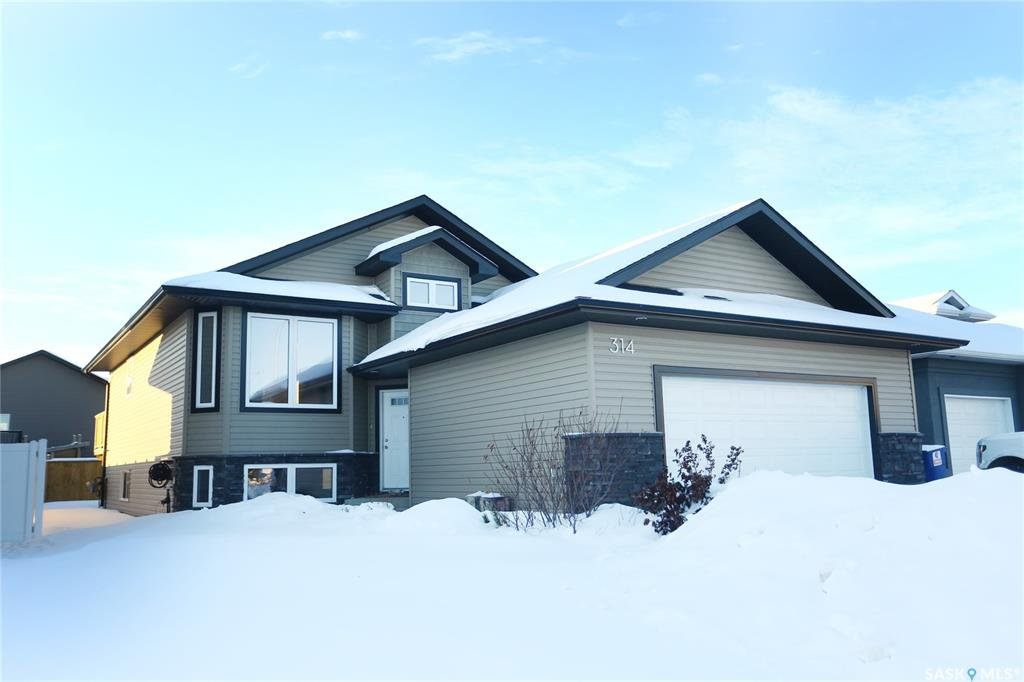 Main Photo: 314 Player Crescent in Warman: Residential for sale : MLS®# SK798789
