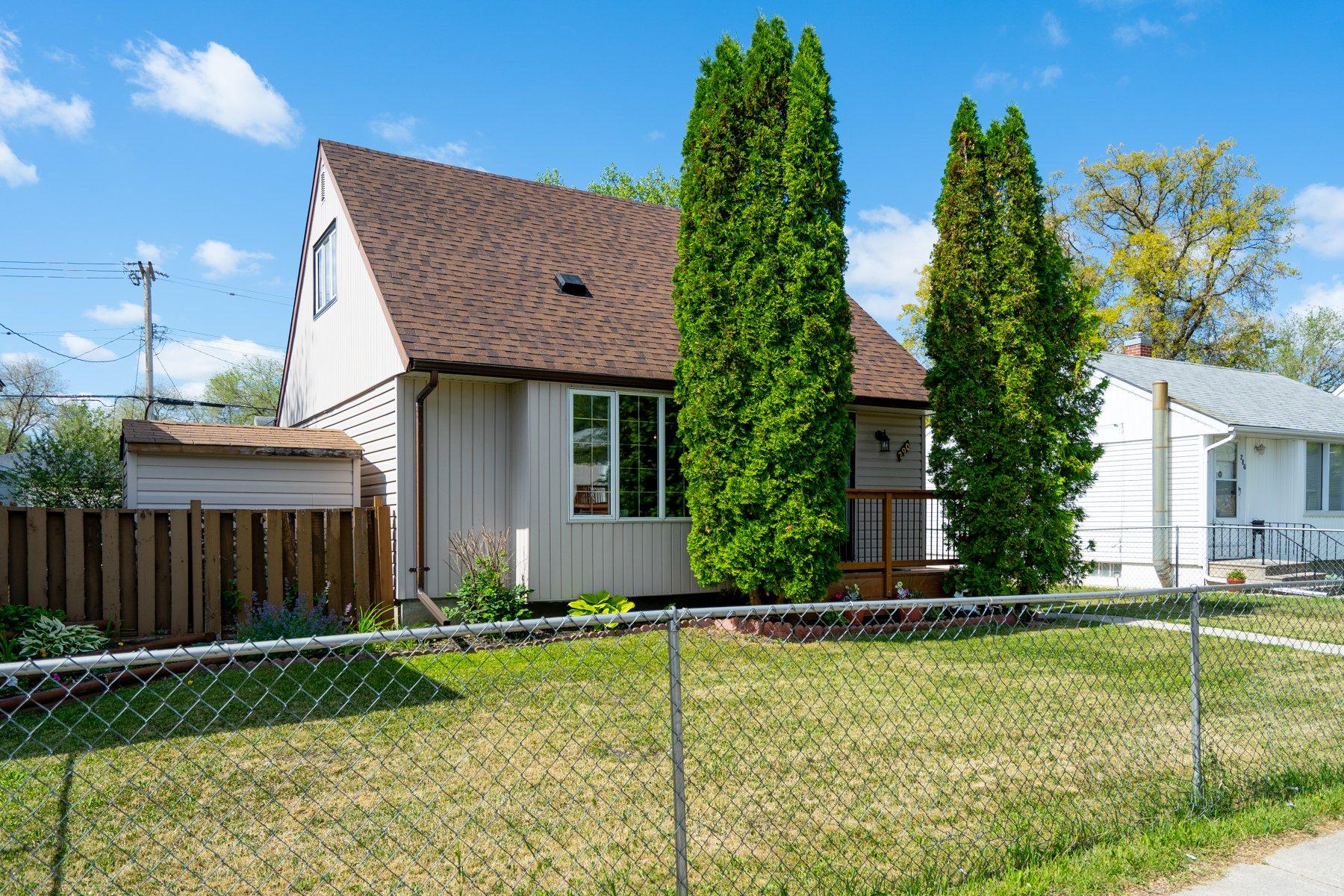 Main Photo: 290 Trent Avenue in Winnipeg: East Kildonan House for sale (3D)  : MLS®# 1916105