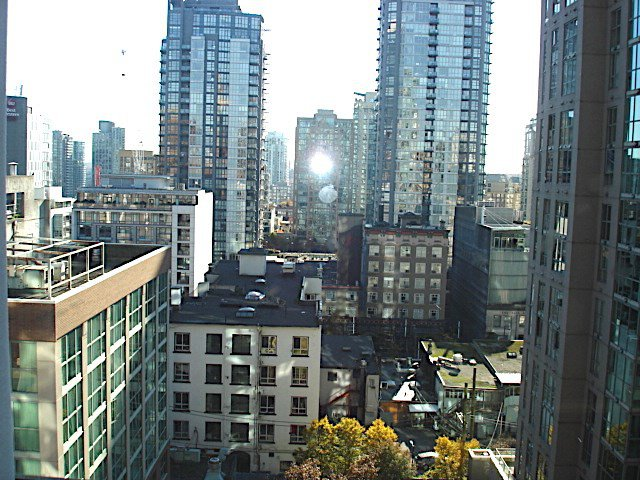 "Main Photo: 1105 1189 HOWE Street in Vancouver: Downtown VW Condo for sale in ""Genisis"" (Vancouver West)  : MLS®# R2416331"