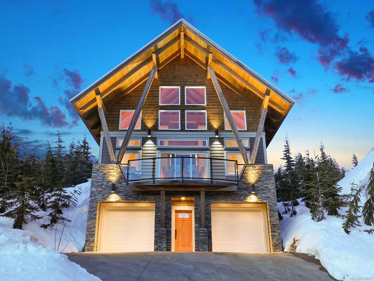 Main Photo: 570 Arrowsmith Ridge in COURTENAY: CV Mt Washington House for sale (Comox Valley)  : MLS®# 833885
