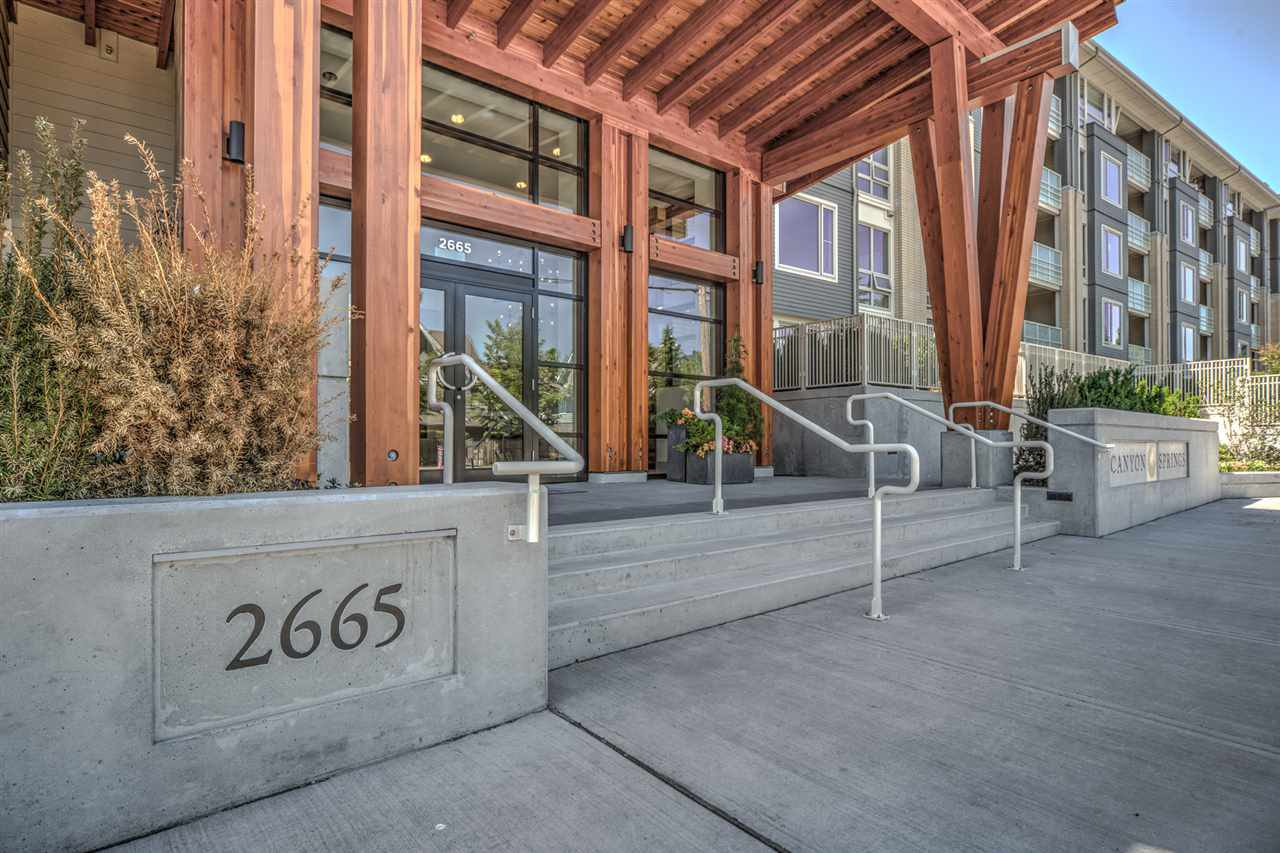 Main Photo: 411 2665 MOUNTAIN Highway in North Vancouver: Lynn Valley Condo for sale : MLS®# R2463896