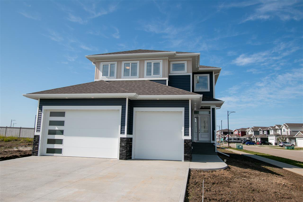 Main Photo: 9620 89 Street: Morinville House for sale : MLS®# E4204654