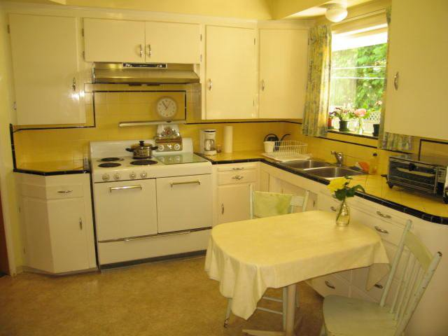 Photo 3: Photos: 2510 PANDORA ST in Vancouver: Hastings East House for sale (Vancouver East)  : MLS®# V898608