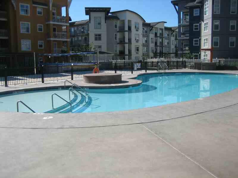 Main Photo: 106 547 Yates Road in Kelowna: Apartment Unit for sale (North Glenmore)  : MLS®# 9219977