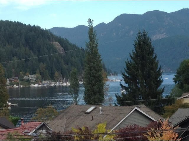 """Main Photo: 1979 BANBURY Road in North Vancouver: Deep Cove House for sale in """"The Cove"""" : MLS®# R2412592"""