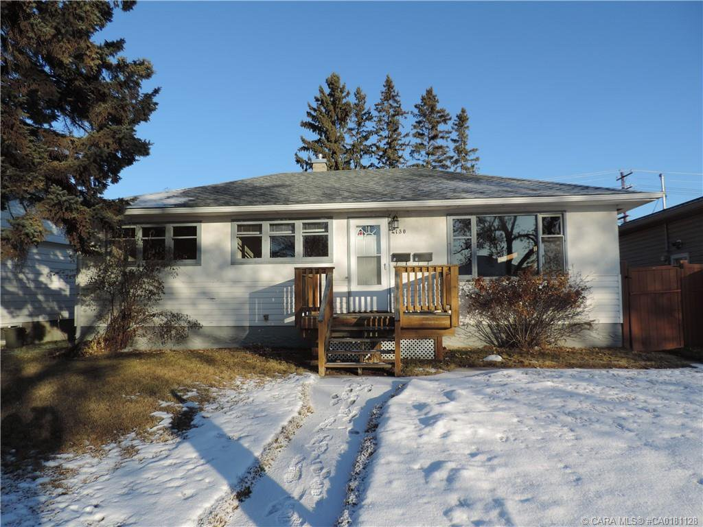 Main Photo: 4130 38 Street in Red Deer: RR Mountview Residential for sale : MLS®# CA0181128