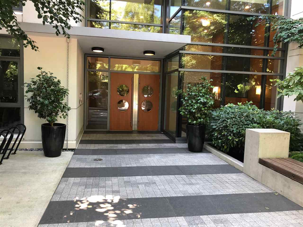 """Main Photo: 209 135 W 2ND Street in North Vancouver: Lower Lonsdale Condo for sale in """"Capstone"""" : MLS®# R2487810"""