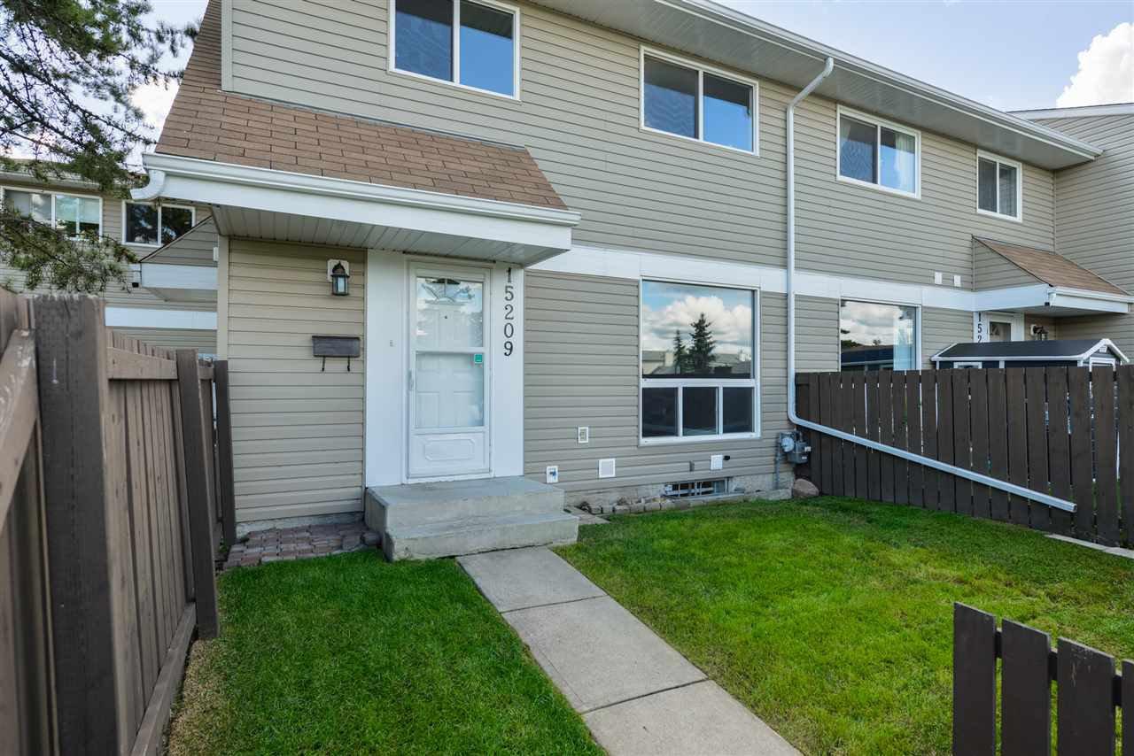 Main Photo: 15209 54 Street in Edmonton: Zone 02 Townhouse for sale : MLS®# E4212002
