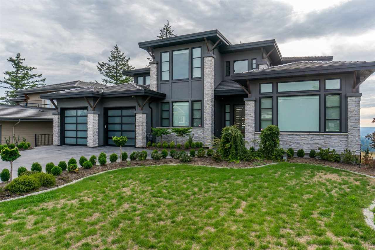 "Main Photo: 2461 EAGLE MOUNTAIN Drive in Abbotsford: Abbotsford East House for sale in ""Eagle Mountain"" : MLS®# R2503101"