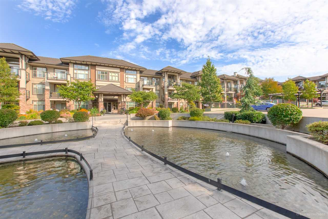 "Main Photo: 212 15185 36 Avenue in Surrey: Morgan Creek Condo for sale in ""EDGEWATER"" (South Surrey White Rock)  : MLS®# R2403388"