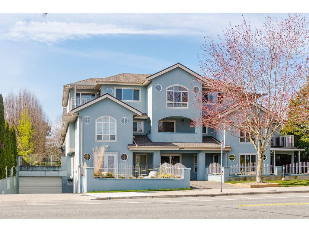 "Main Photo: 101 5909 177B Street in Surrey: Cloverdale BC Condo for sale in ""Carriage Court"" (Cloverdale)  : MLS®# R2446430"