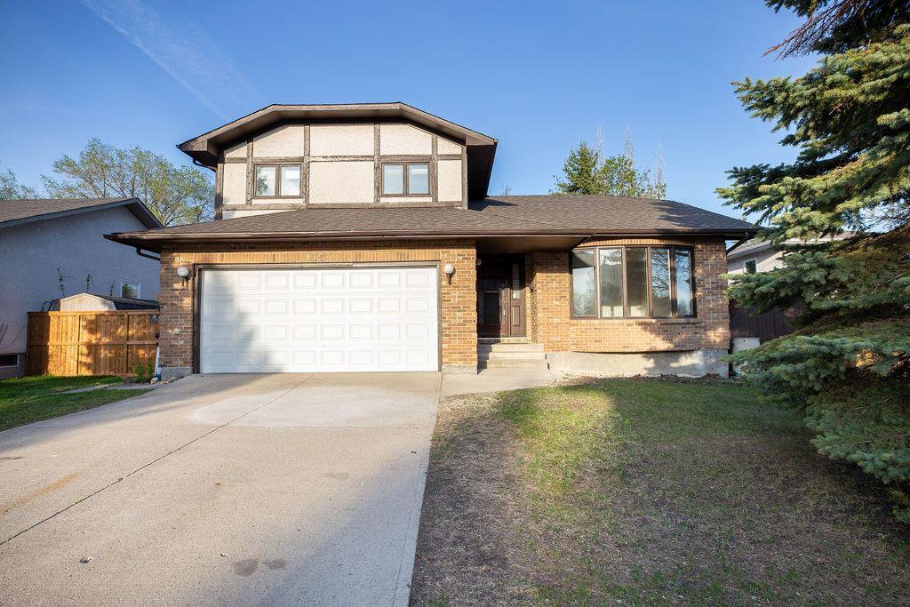 Main Photo: 135 Mayfield Crescent in Winnipeg: Charleswood Residential for sale (1G)  : MLS®# 202011350