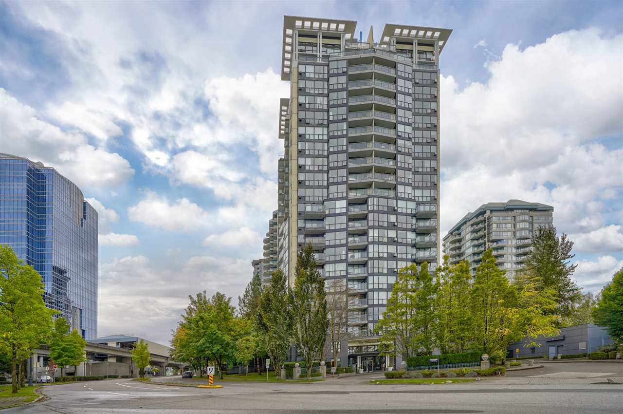 """Main Photo: 1106 10899 UNIVERSITY Drive in Surrey: Whalley Condo for sale in """"OBSERVATORY"""" (North Surrey)  : MLS®# R2507085"""